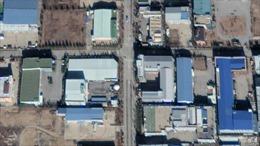 Vệ tinh Mỹ chộp được cảnh xe cộ qua lại khu công nghiệp bị đóng cửa Kaesong