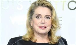 Viết thư bảo vệ đàn ông, nữ diễn viên nổi tiếng Pháp gây tranh cãi kịch liệt