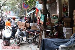 Trật tự vỉa hè, lòng đường ở Hà Nội: Lại 'bắt cóc bỏ đĩa'