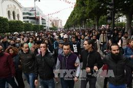 Tunisia:  Bắt giữ gần 800 đối tượng biểu tình quá khích