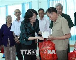 Phó Chủ tịch nước Đặng Thị Ngọc Thịnh thăm các gia đình chính sách tại Bình Phước
