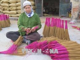 Làng nghề sản xuất hương 'chạy đua' cùng Tết