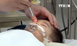 Bệnh nhi bị tiêm nhầm thuốc có dấu hiệu mất não