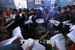 Khoảng 12.000 học sinh huyện miền núi A Lưới nghỉ học do rét đậm