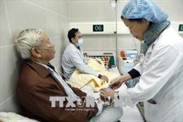 Người già cần chủ động phòng bệnh trong những ngày giá rét