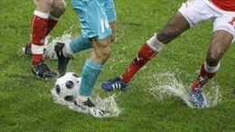 Phụ nữ Hồi giáo bị cấm... nhìn đùi của cầu thủ bóng đá