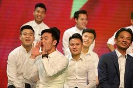 Các cầu thủ U23 Việt Nam đẹp tinh khôi trong màu áo sơ mi trắng
