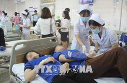 Bình Dương: 105 công nhân nhập viện sau bữa ăn trưa tại công ty