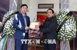 Truy tặng huy hiệu 'Tuổi trẻ dũng cảm' cho nam sinh viên tử nạn khi cứu 3 mẹ con