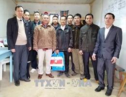 Đại sứ Phạm Quốc Trụ thăm và chúc Tết công nhân Việt Nam tại Algeria