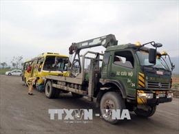 Lật xe khách tại đường tránh Nam Hải Vân - Túy Loan làm 2 người chết, 11 người bị thương