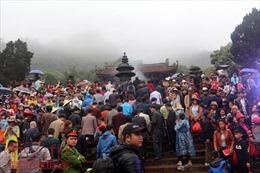 Khai hội chùa Hương xuân Mậu Tuất 2018
