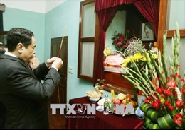 Chủ tịch Mặt trận Tổ quốc Việt Nam dâng hương tưởng nhớ Bác Hồ