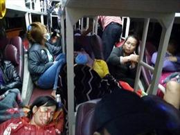 Xe khách 40 chỗ 'nhồi nhét' tận 82 người