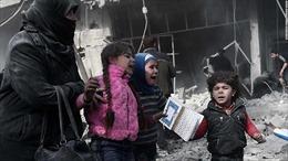 Xót xa cảnh người Syria mắc kẹt trong 'tử địa' Đông Ghouta sau cơn mưa bom