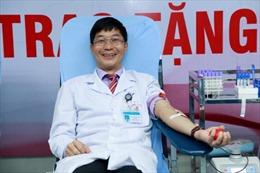 Người bác sĩ 50 lần hạnh phúc vì được hiến máu hiếm cứu bệnh nhân