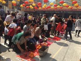 Nét văn minh trong tục 'Hóa vàng' ở Hong Kong