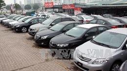 'Nóng' ô tô nhập khẩu giảm giá hàng trăm triệu, nữ tài xế lái xe ngược chiều trên cao tốc