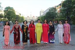 Gần 200 nhà may giảm giá đến 50% cho chị em may áo dài trong tháng 3