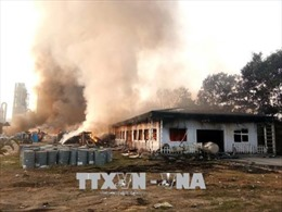 Cháy tại bãi chứa phế liệu gây ách tắc Quốc lộ 32C đoạn qua Thanh Sơn (Phú Thọ)