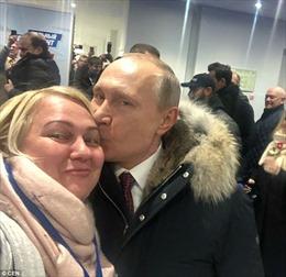 Cô gái may mắn nhận được nụ hôn của Tổng thống Putin là ai?