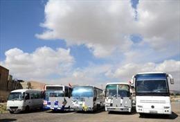 Quân đội Syria sơ tán dân thường khỏi Đông Ghouta