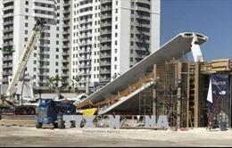 Vụ sập cầu đi bộ ở Florida: Ít nhất 4 người thiệt mạng