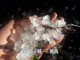 Mưa đá cường độ lớn kèm gió giật mạnh kéo dài ở Bắc Kạn