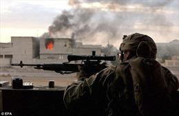 Cách xa 1,5 km, lính bắn tỉa Anh bắn 'một phát trúng đầu' chỉ huy IS trong đêm