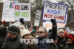 Phong trào đòi kiểm soát súng đạn gia tăng áp lực với các nhà lập pháp Mỹ