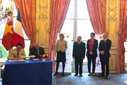 Tập đoàn FLC và Airbus ký kết hợp đồng thoả thuận mua 24 máy bay A321NEOtại Pháp cho Bamboo Airways
