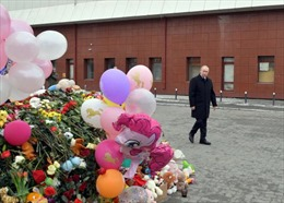 Tổng thống Putin tới hiện trường thảm kịch cháy trung tâm thương mại