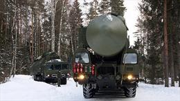 Quân đội Nga vừa tập trận quy mô vừa thử nghiệm vũ khí mới