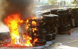 Xe container bốc cháy tại Thanh Hoá, hai người thiệt mạng