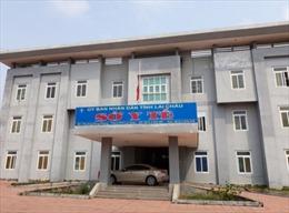 Yêu cầu giải trình việc 137 nhân viên y tế bị 'đuổi việc' tại Lai Châu