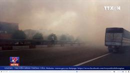 Tai nạn liên hoàn, bốn ô tô đâm nhau trên cao tốc vì khói do người dân đốt cỏ