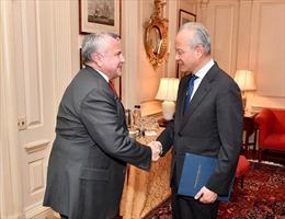 Giữa căng thẳng chiến tranh thương mại, Đại sứ Trung Quốc bất ngờ tới Bộ Ngoại giao Mỹ