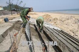 Hà Tĩnh khắc phục khẩn cấp kè biển khu du lịch Thiên Cầm