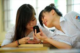 Vì sao Sở GD-ĐT Hà Nội quy định sử dụng điện thoại, mạng xã hội với học sinh?