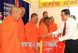 Chủ tịch Ủy ban Trung ương MTTQ Việt Nam thăm, chúc Tết Chôl Chnăm Thmây