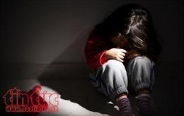 Bắt khẩn cấp giáo viên tiểu học dâm ô 9 học sinh tiểu học