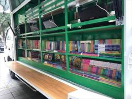 Trao tặng 8 xe ô tô thư viện lưu động đa phương tiện cho các địa phương