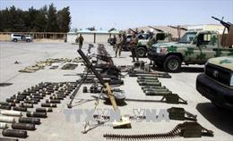 Syria: Phiến quân giao nộp vũ khí theo thỏa thuận sơ tán tại vùng Qalamoun