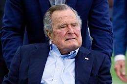 Cựu Tổng thống Bush 'Cha' phải nhập viện vì nhiễm trùng máu