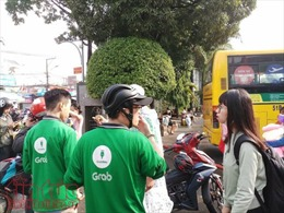 Hành khách ở bến xe Miền Đông bị Grabbike 'chặt chém'