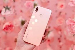 Điện thoại phiên bản màu hồng đầu tiên của Huawei ra mắt tại Việt Nam