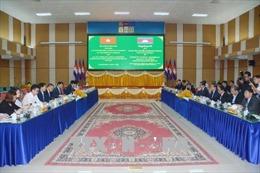 Việt Nam - Campuchia tăng cường quan hệ hợp tác thương mại biên giới