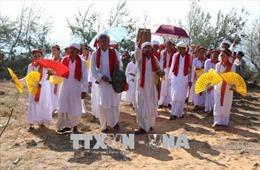 Đồng bào Chăm vui đón Tết cổ truyền Ramưvan