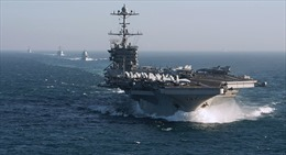Xem tàu sân bay Mỹ chơi 'mèo vờn chuột' với tàu chiến Nga trên Địa Trung Hải
