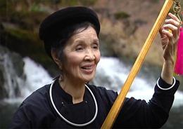 Nghệ sĩ ưu tú Nguyệt Nha - Cảm động nghẹn ngào khi hát then cho bộ đội nghe